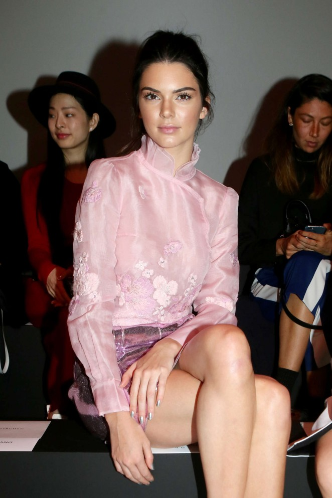 Kendall Jenner - Shiatzy Chen Fashion Show in Paris
