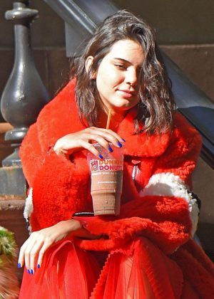Kendall Jenner - Shooting a 'Muppets-Themed' Photoshoot in New York City