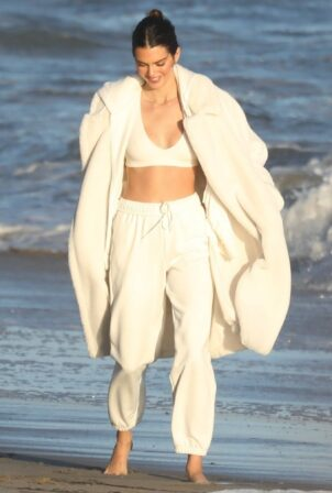 Kendall Jenner - Shooting candids for her Alo Yoga campaign in Malibu