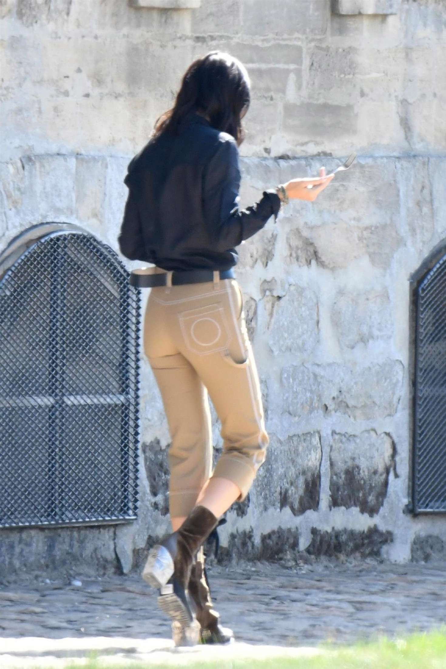 Kendall Jenner 2018 : Kendall Jenner: Shooting of a commercial in France -09