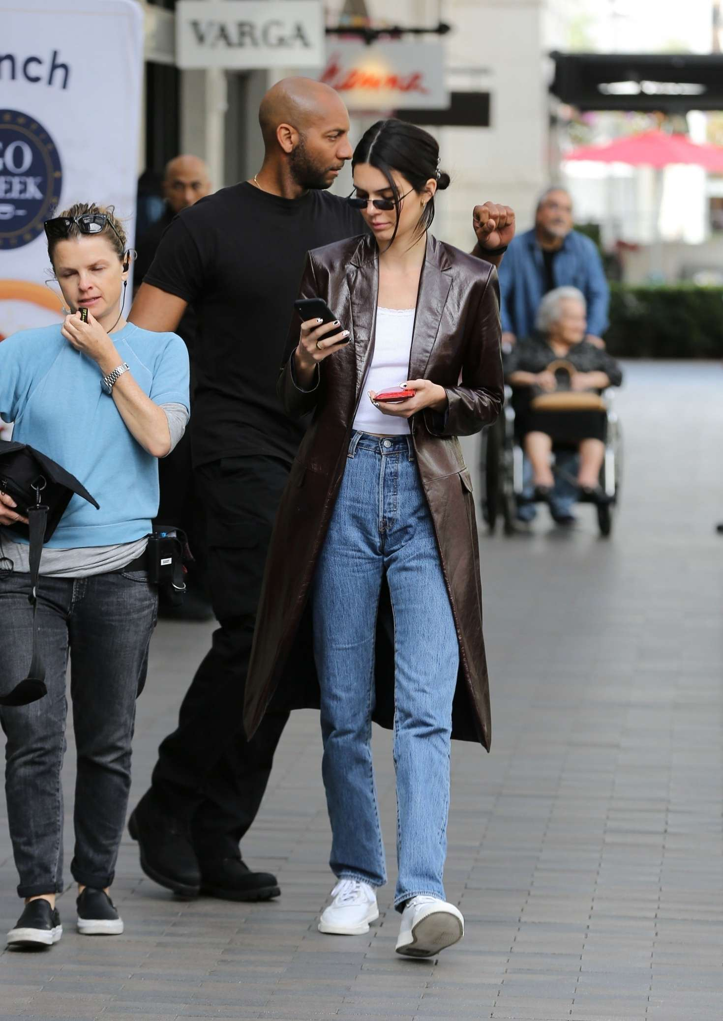 Kendall Jenner 2019 : Kendall Jenner: Shopping in Woodland Hills -05