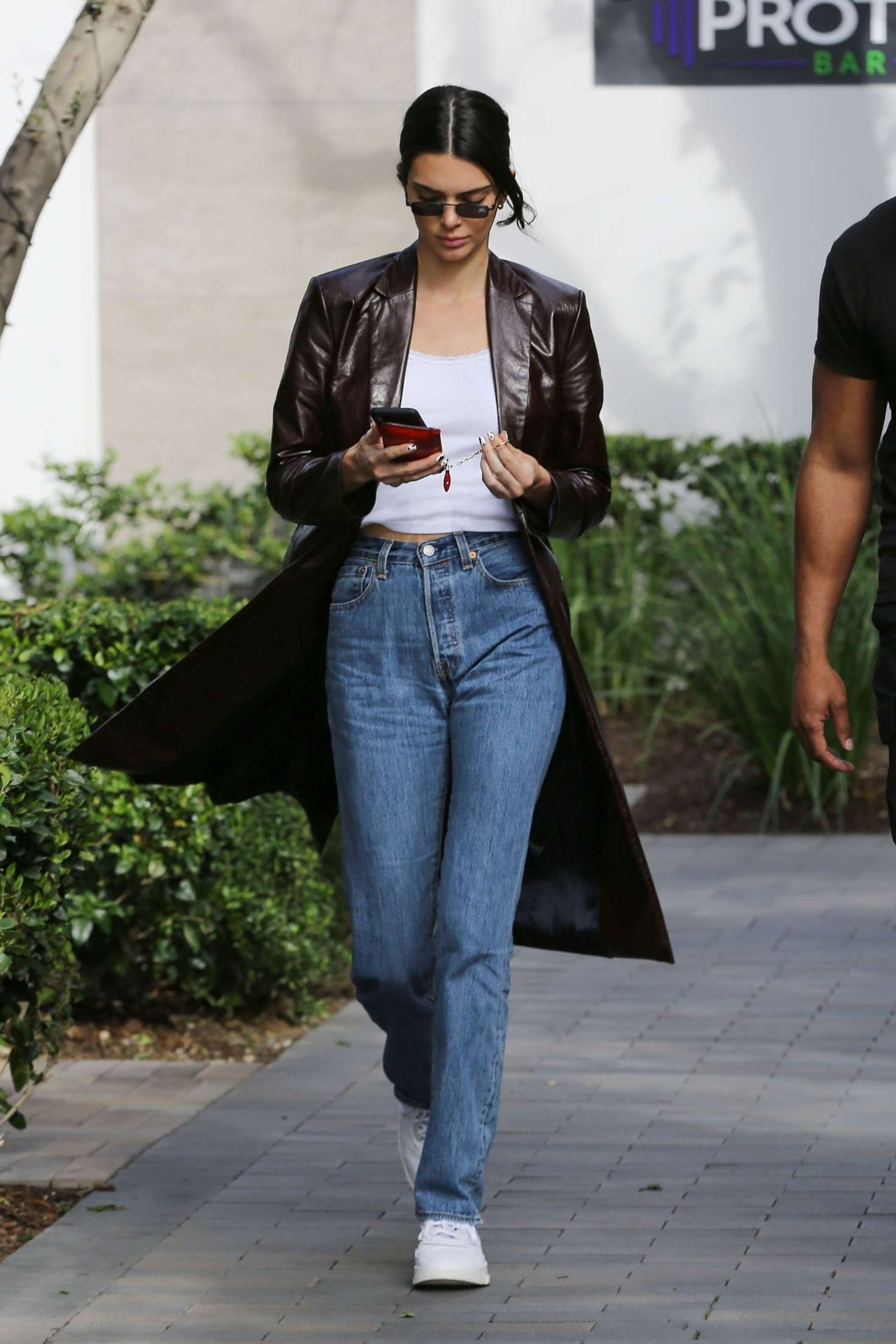 Kendall Jenner 2019 : Kendall Jenner: Shopping in Woodland Hills -08