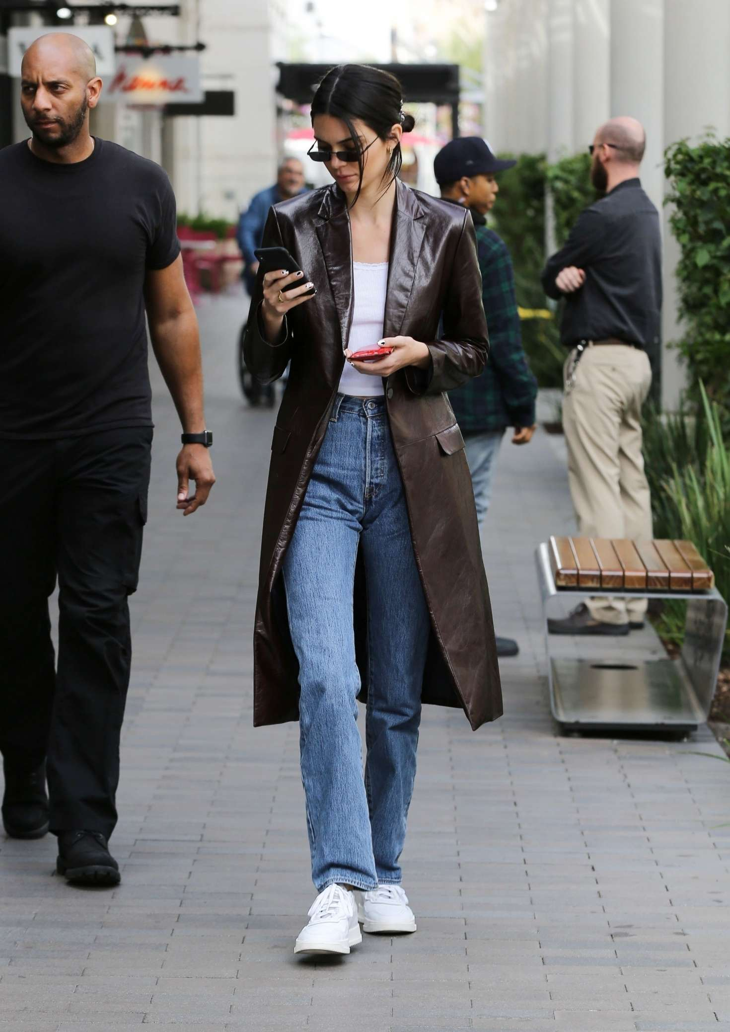 Kendall Jenner 2019 : Kendall Jenner: Shopping in Woodland Hills -12