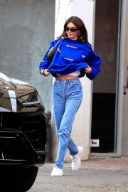 Kendall Jenner - Stops by Kate Somerville in West Hollywood