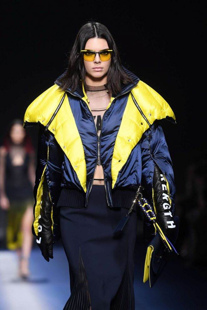 Kendall Jenner - Versace Runway Show at MFW 2017 in Milan