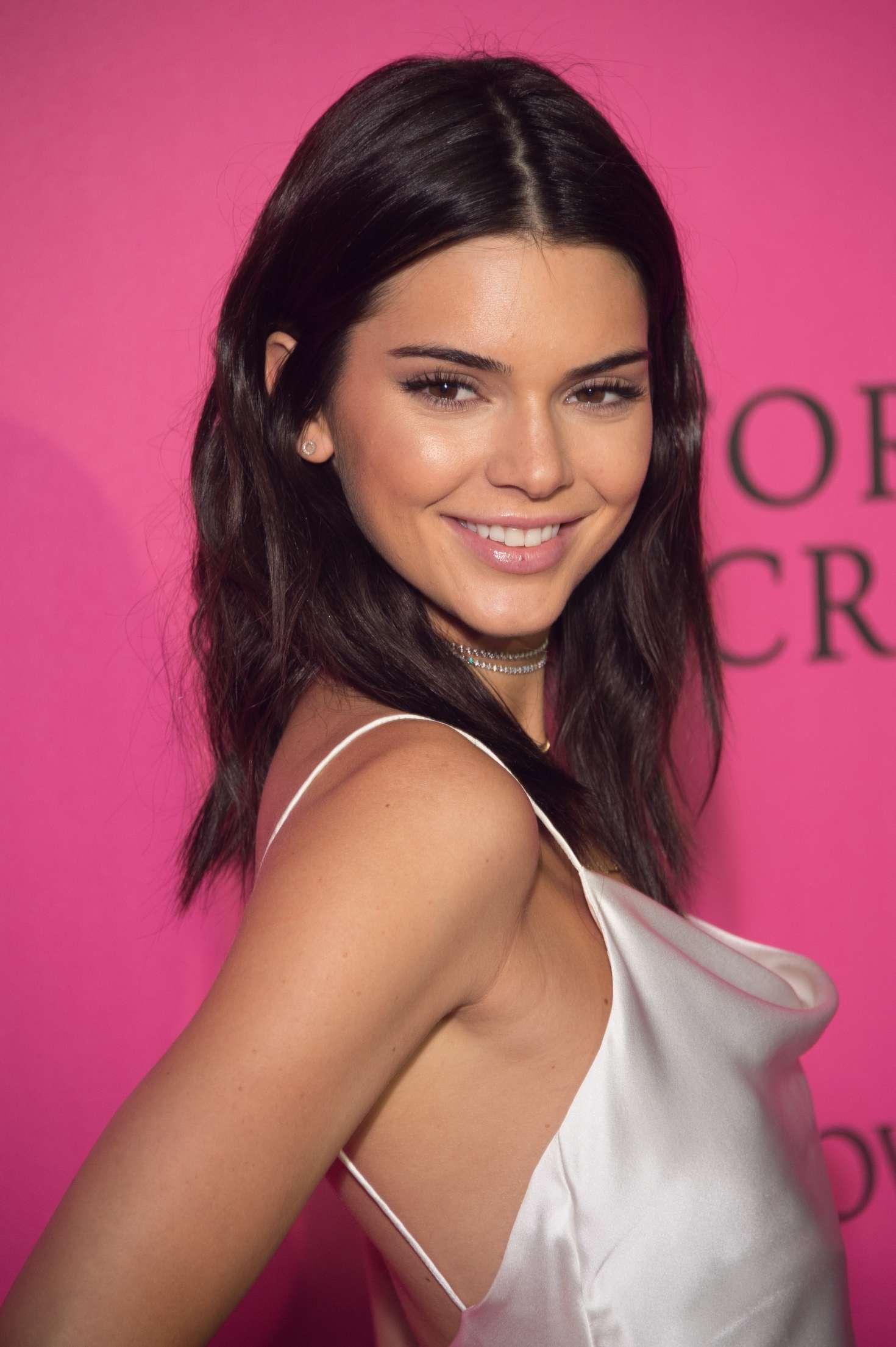 Kendall Jenner: Victorias Secret Fashion Show 2016 After ...