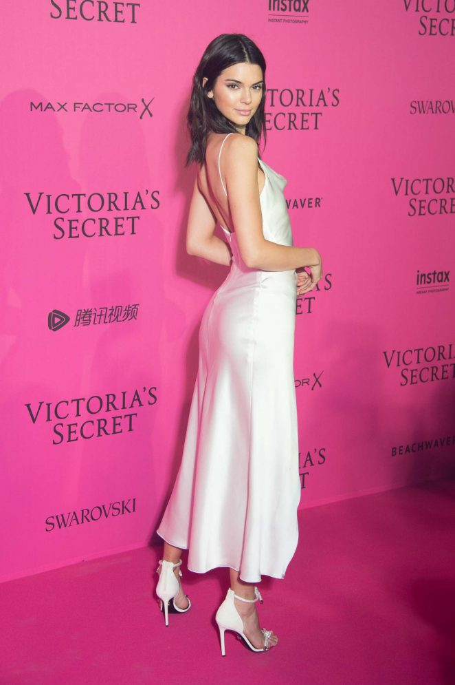 Kendall Jenner: Victor... Jessica Chastain
