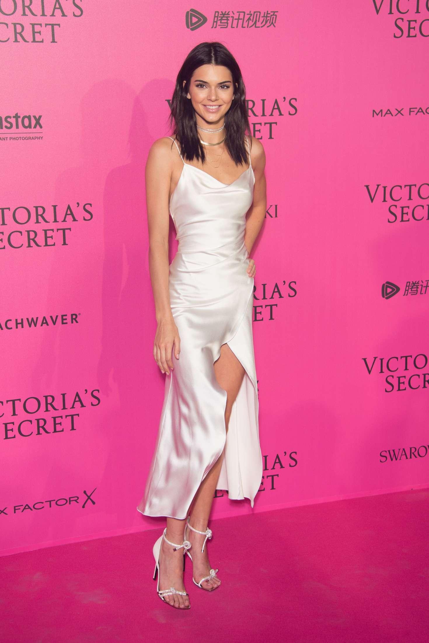 Victoria S Secret Fashion Show With Children