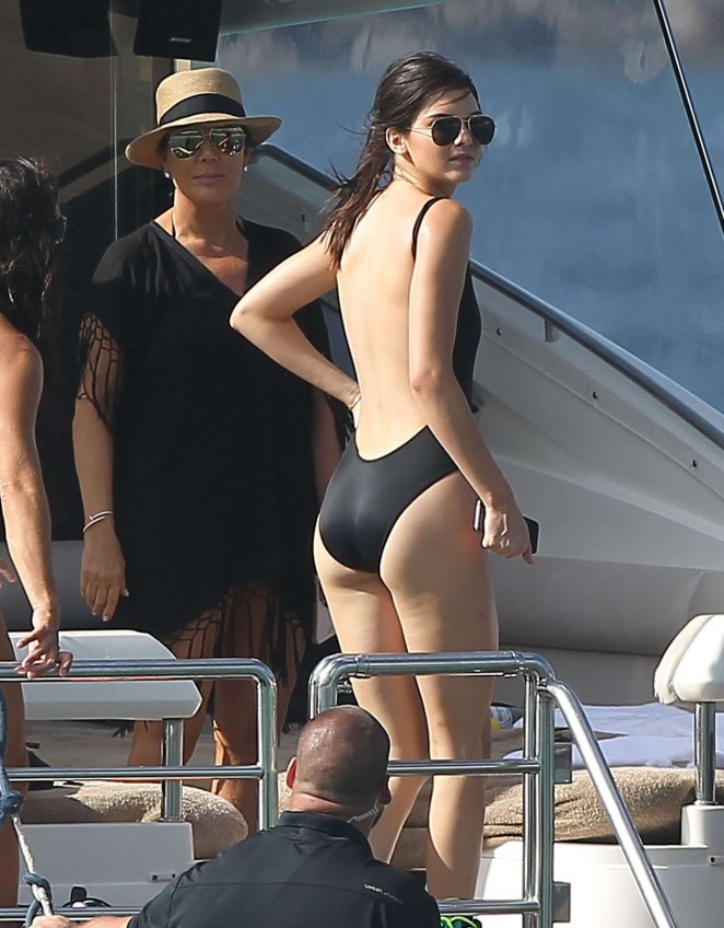 Kendall Jenner – Water Fun in St. Barts