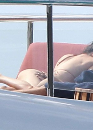 Kendall Jenner: Wearing a Bikini on a yacht in Antigua-07