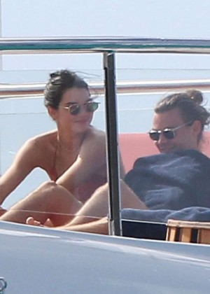 Kendall Jenner: Wearing a Bikini on a yacht in Antigua-08