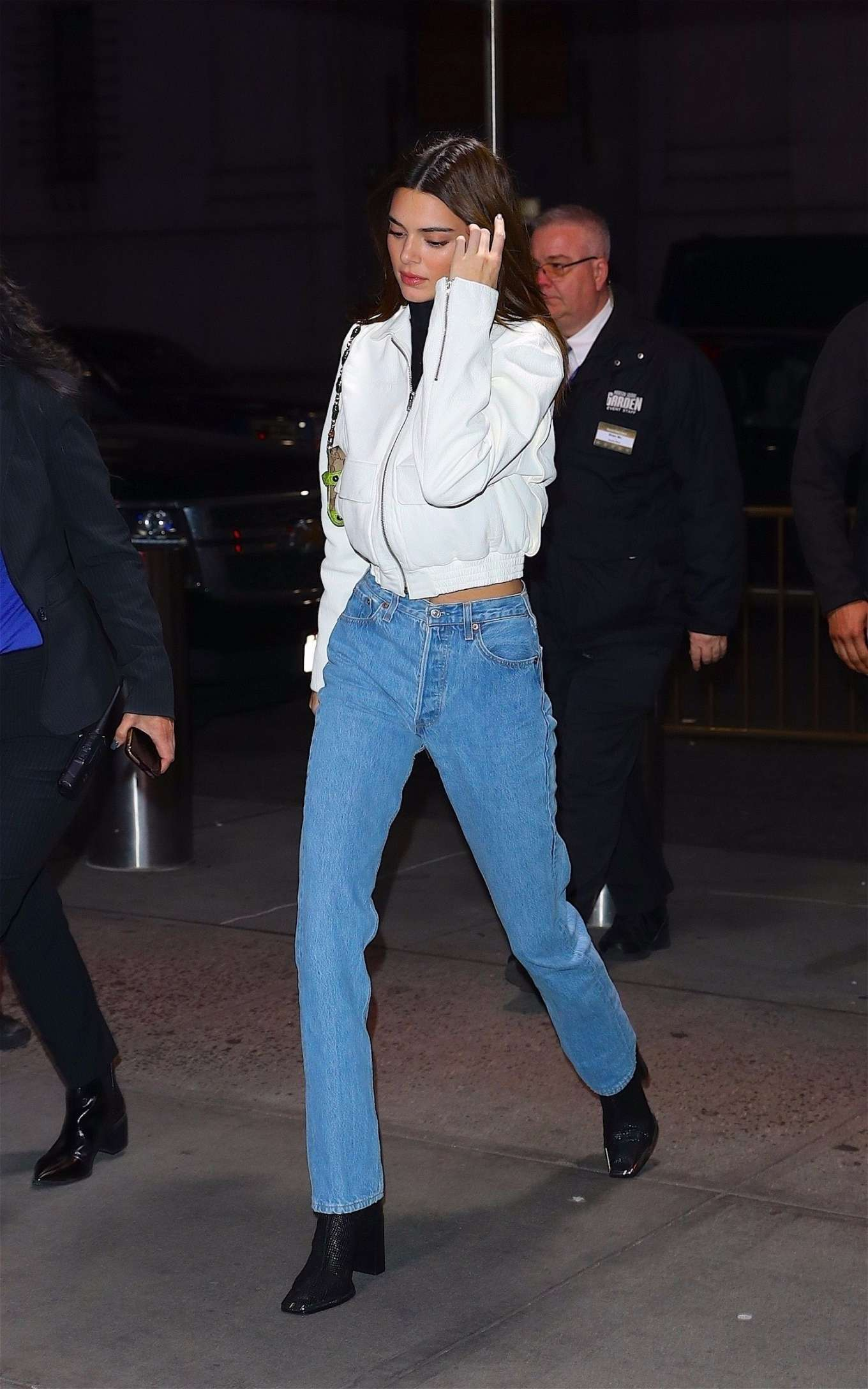 Kendall Jenner 2019 : Kendall Jenner – Wearing blue jeans in NY-08