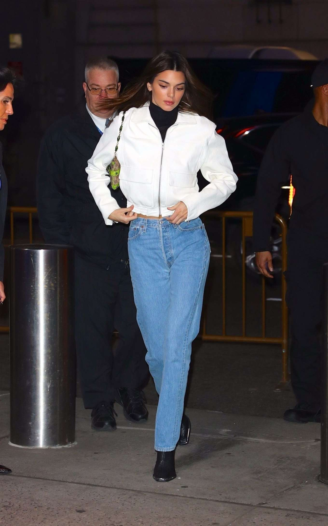 Kendall Jenner 2019 : Kendall Jenner – Wearing blue jeans in NY-37