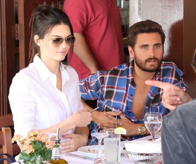 Kendell Jenner - Having lunch in LA