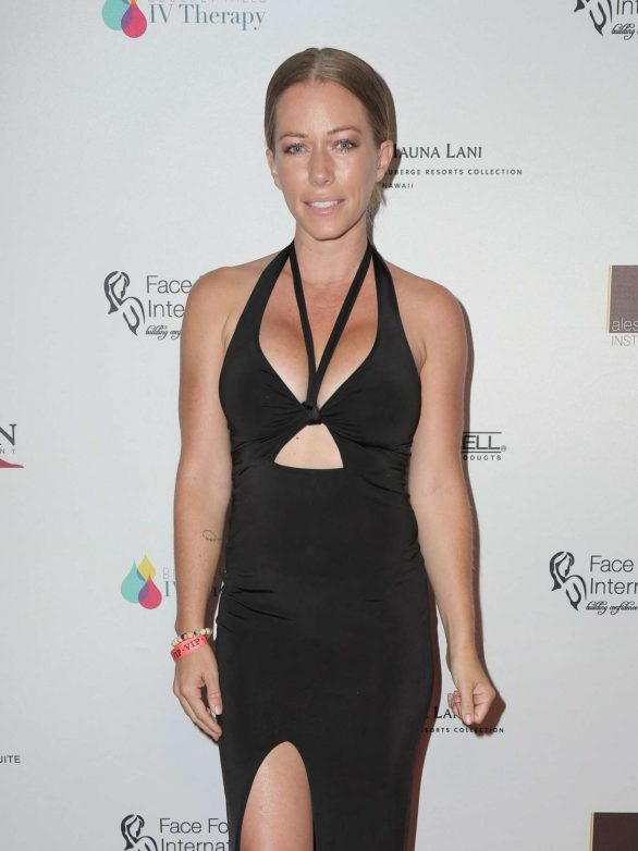 Kendra Wilkinson - 2019 Face Forward 'Highlands to the Hills' Gala in LA