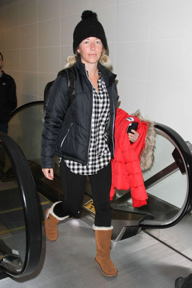 Kendra Wilkinson - Arrives at LAX Airport in Los Angeles
