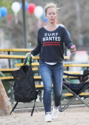 Kendra Wilkinson at a baseball field in Los Angeles