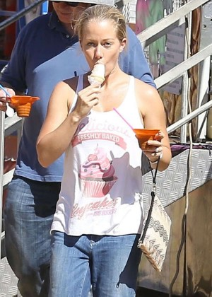 Kendra Wilkinson in Jeans out in Malibu