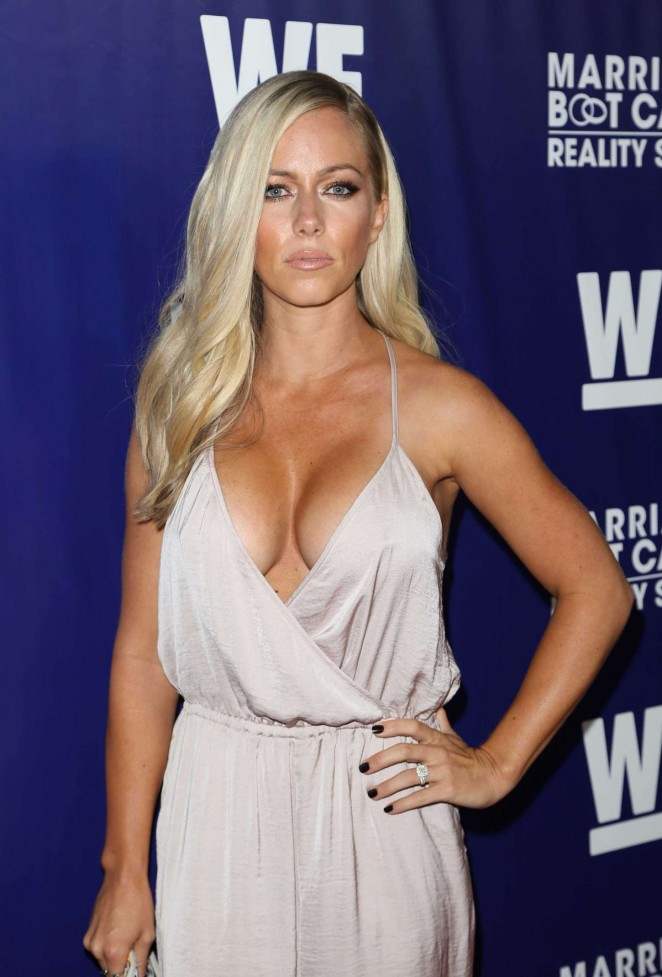 Kendra Wilkinson - Reality Premiere Party in LA