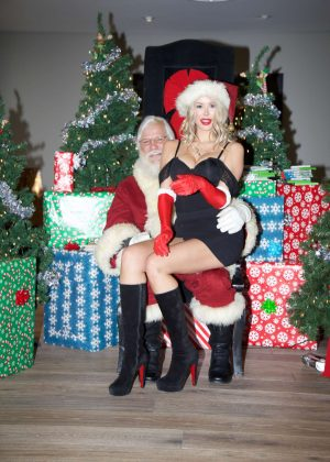 Kennedy Summers with Santa Claus in Los Angeles