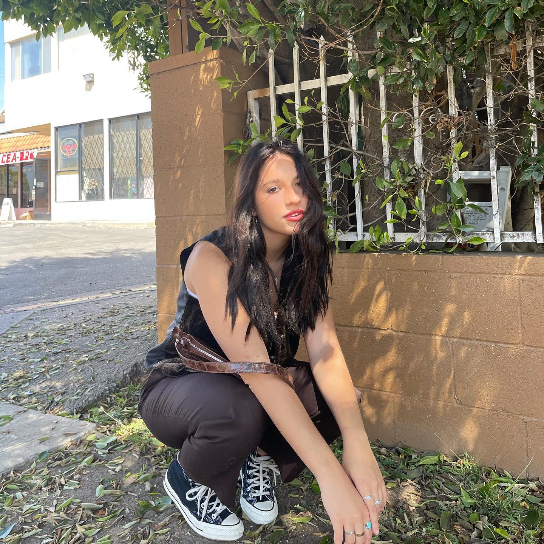 Mackenzie Ziegler 2021 : Kenzie Ziegler (Mackenzie) – Social media-01