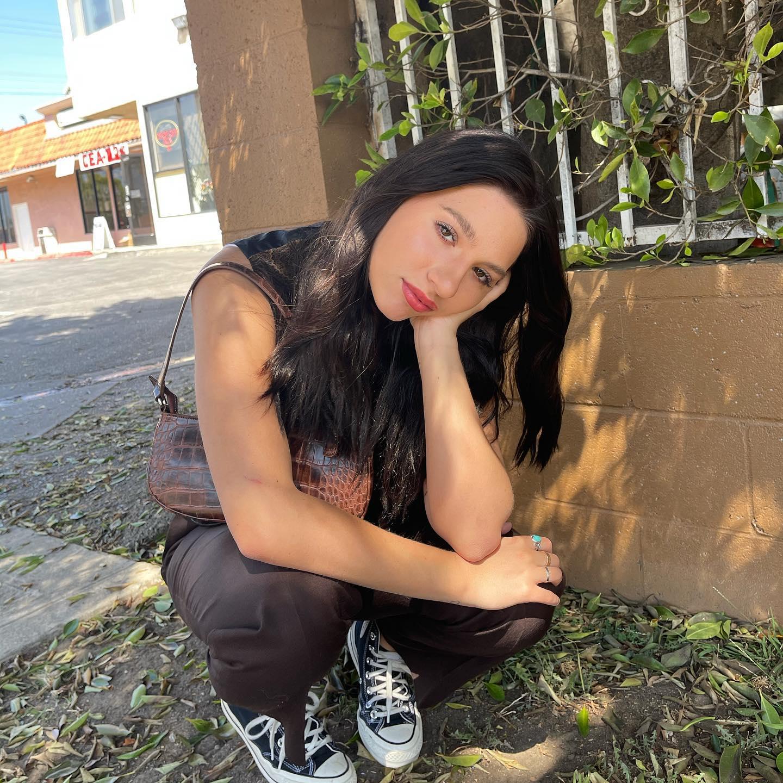 Mackenzie Ziegler 2021 : Kenzie Ziegler (Mackenzie) – Social media-16