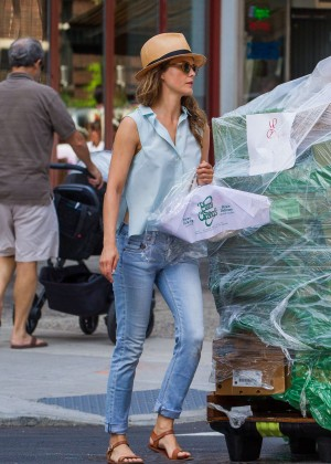 Keri Russell in Jeans Leaving a Dry Cleaners in Brooklyn