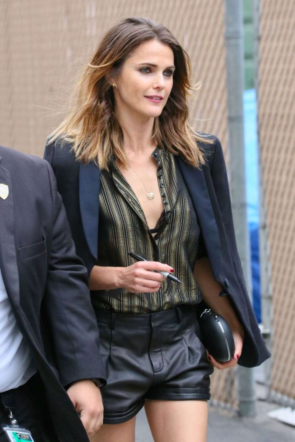 Keri Russell - Looks stunning while arrives to Jimmy Kimmel Live in LA