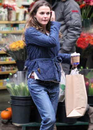Keri Russell - Shopping at a Supermarket in NYC