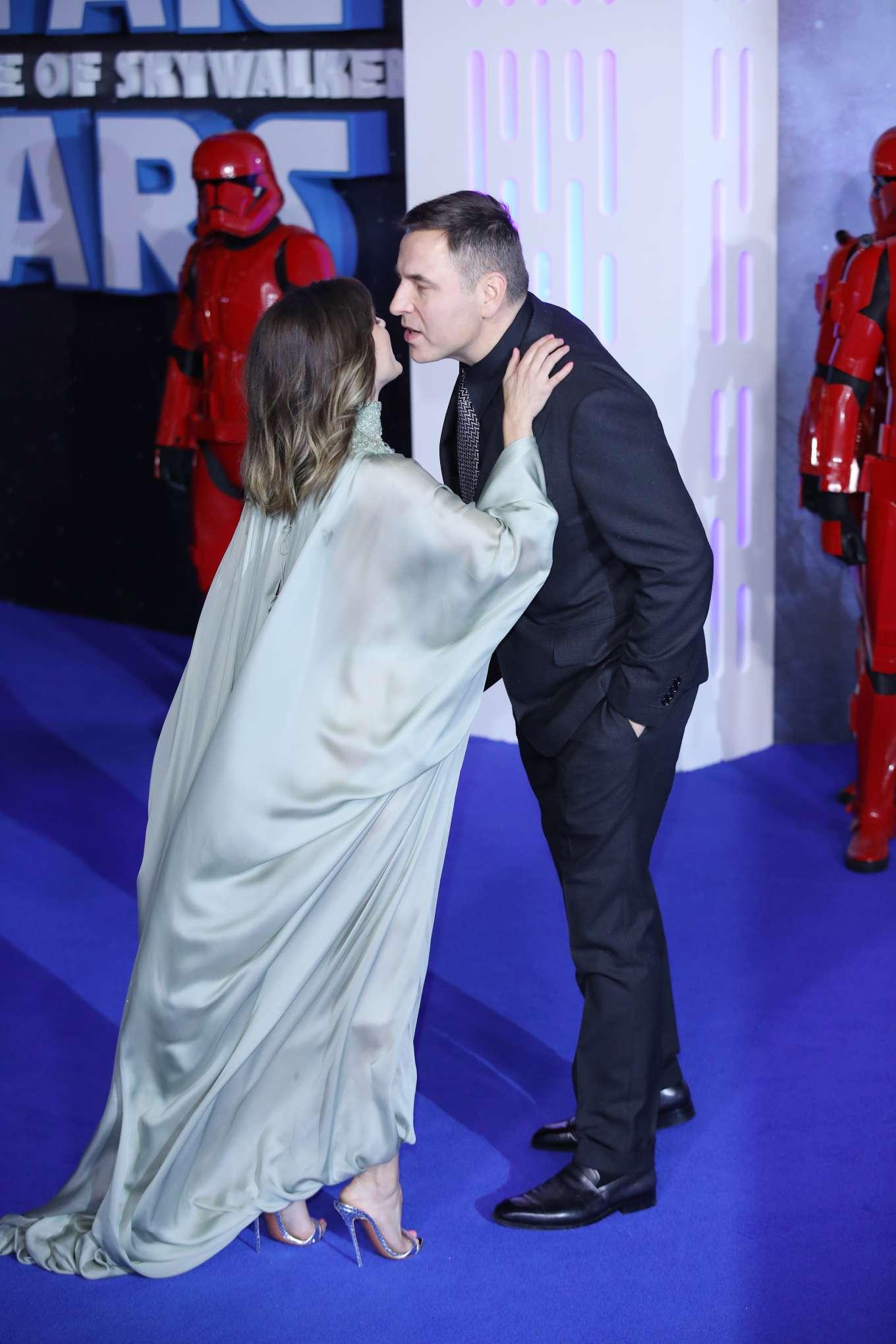 Keri Russell Star Wars The Rise Of Skywalker Premiere In London 02 Gotceleb