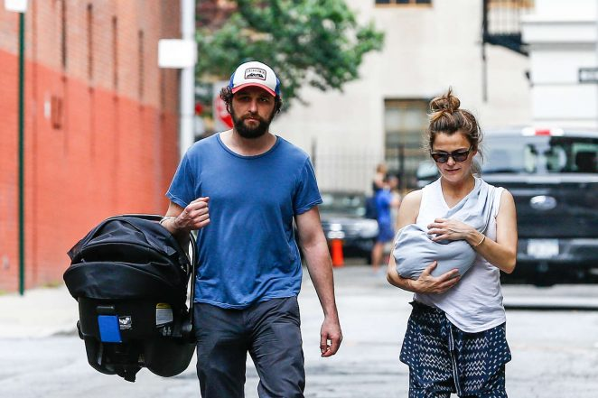 Keri Russell with her new baby boy -06