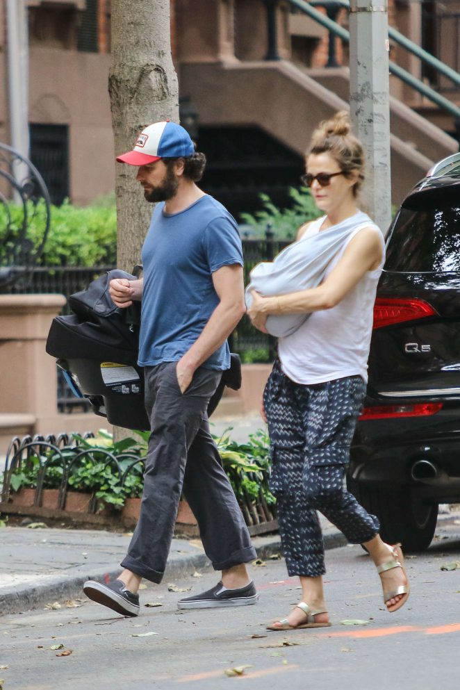Keri Russell with her new baby boy -07