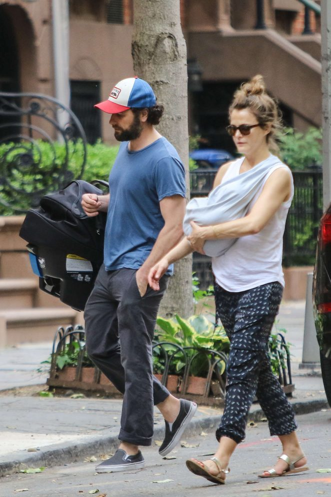 Keri Russell with her new baby boy -11