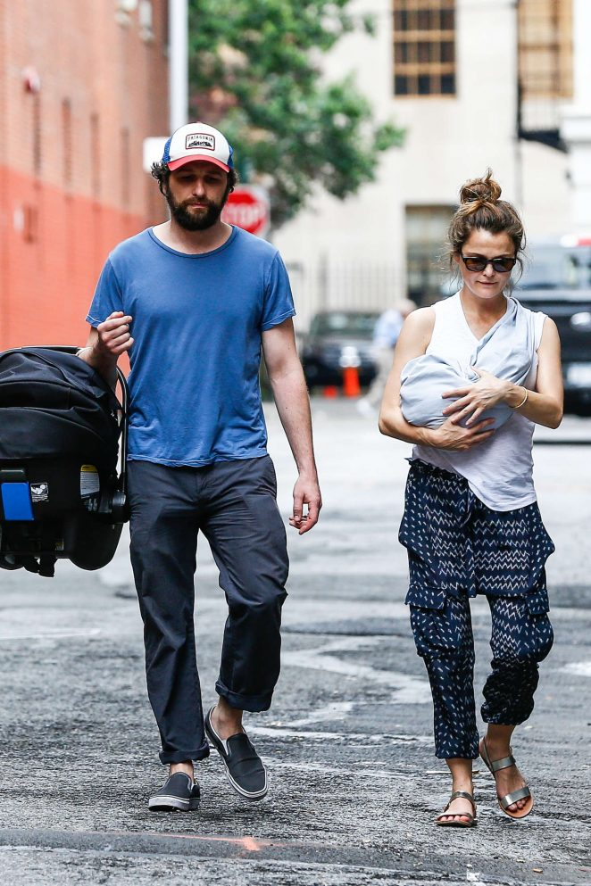 Keri Russell with her new baby boy -12