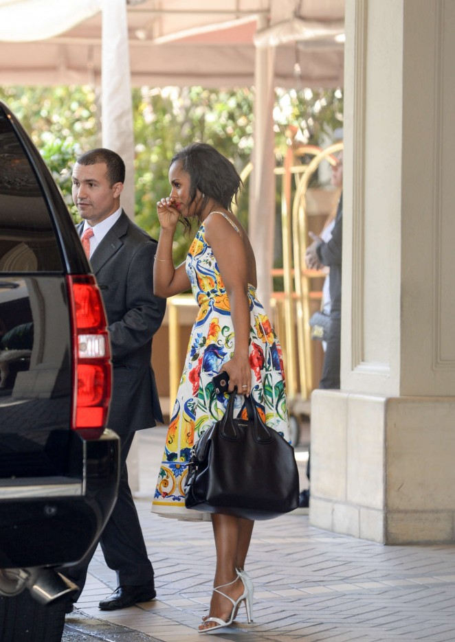 Kerry Washington in floral dress -18