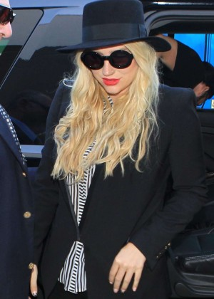 Kesha - Arrives at LAX Airport in LA
