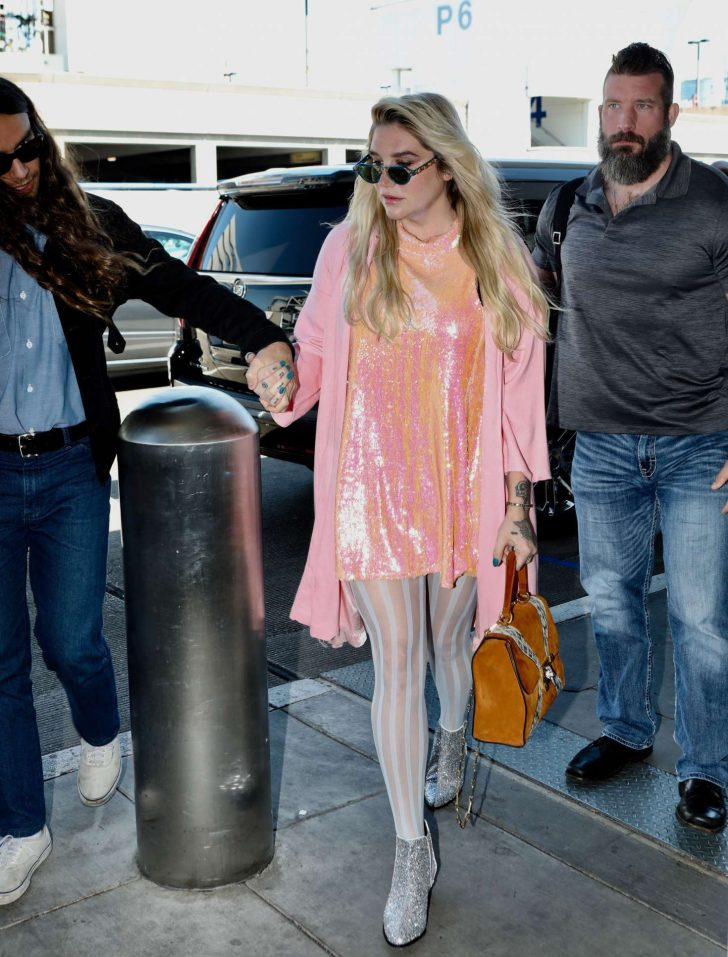 Kesha: Arrives at LAX Airport in LA -02