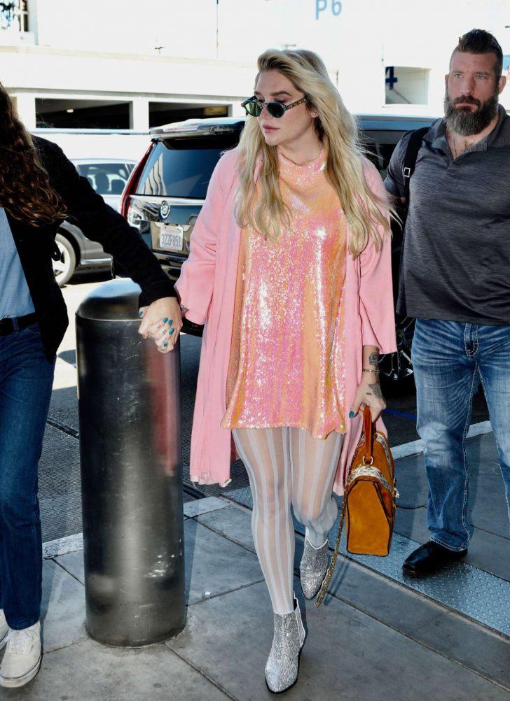 Kesha: Arrives at LAX Airport in LA -10