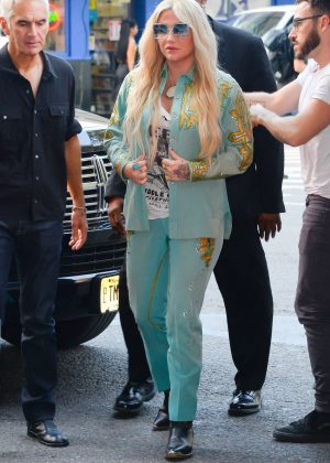 Kesha - Arriving at Z100 in New York City