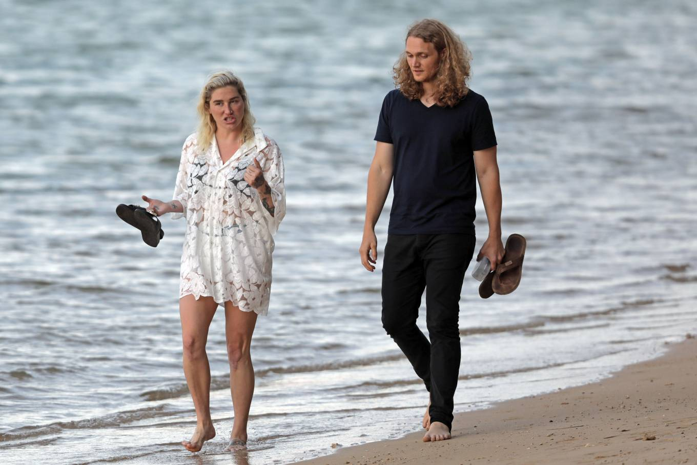 Kesha 2021 : Kesha – With her boyfriend Brad Ashenfelter while on vacation in Hawaii-06