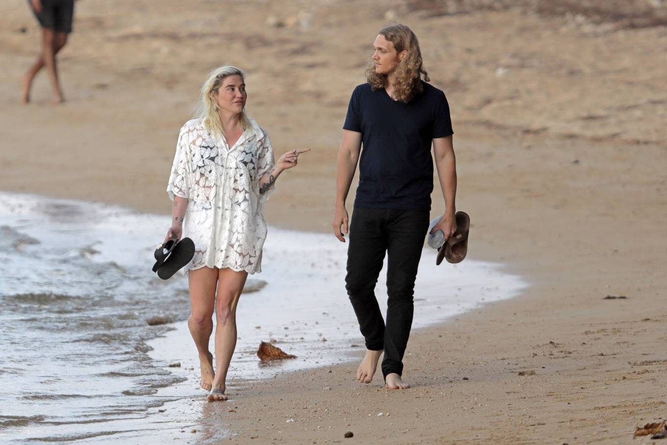 Kesha 2021 : Kesha – With her boyfriend Brad Ashenfelter while on vacation in Hawaii-18