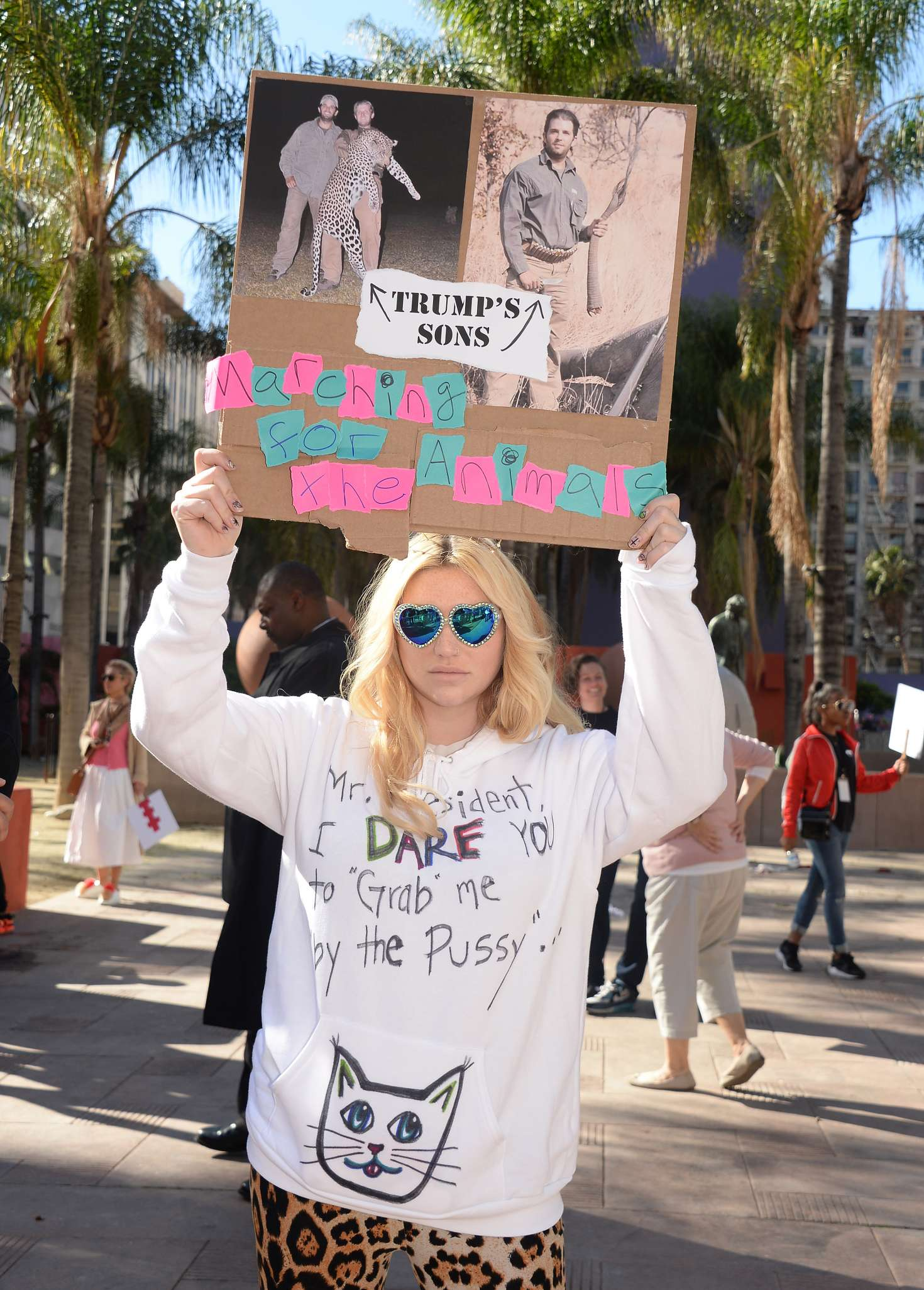 Kesha:-Womens-March-on-Los-Angeles--02.j