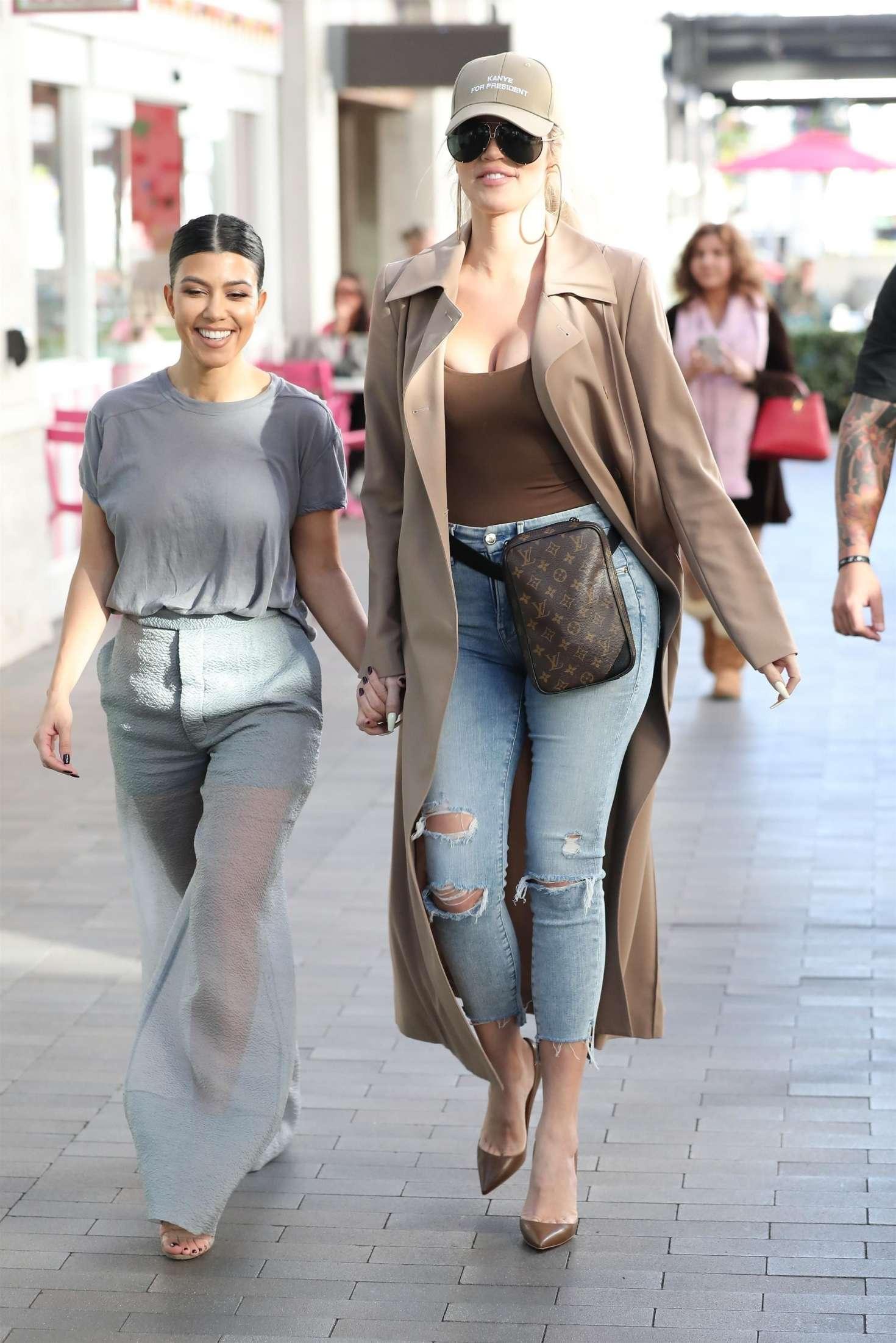 Khloe Kardashian 2019 : Khloe and Kourtney Kardashian: Filming KUWTK -03