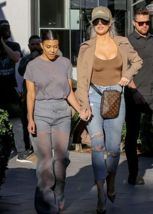 Khloe and Kourtney Kardashian - Filming KUWTK in Canoga Park