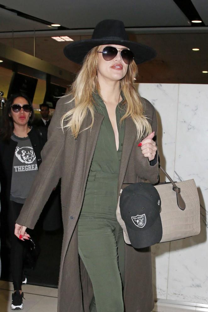 Khloe Kardashian - Airport in Sydney