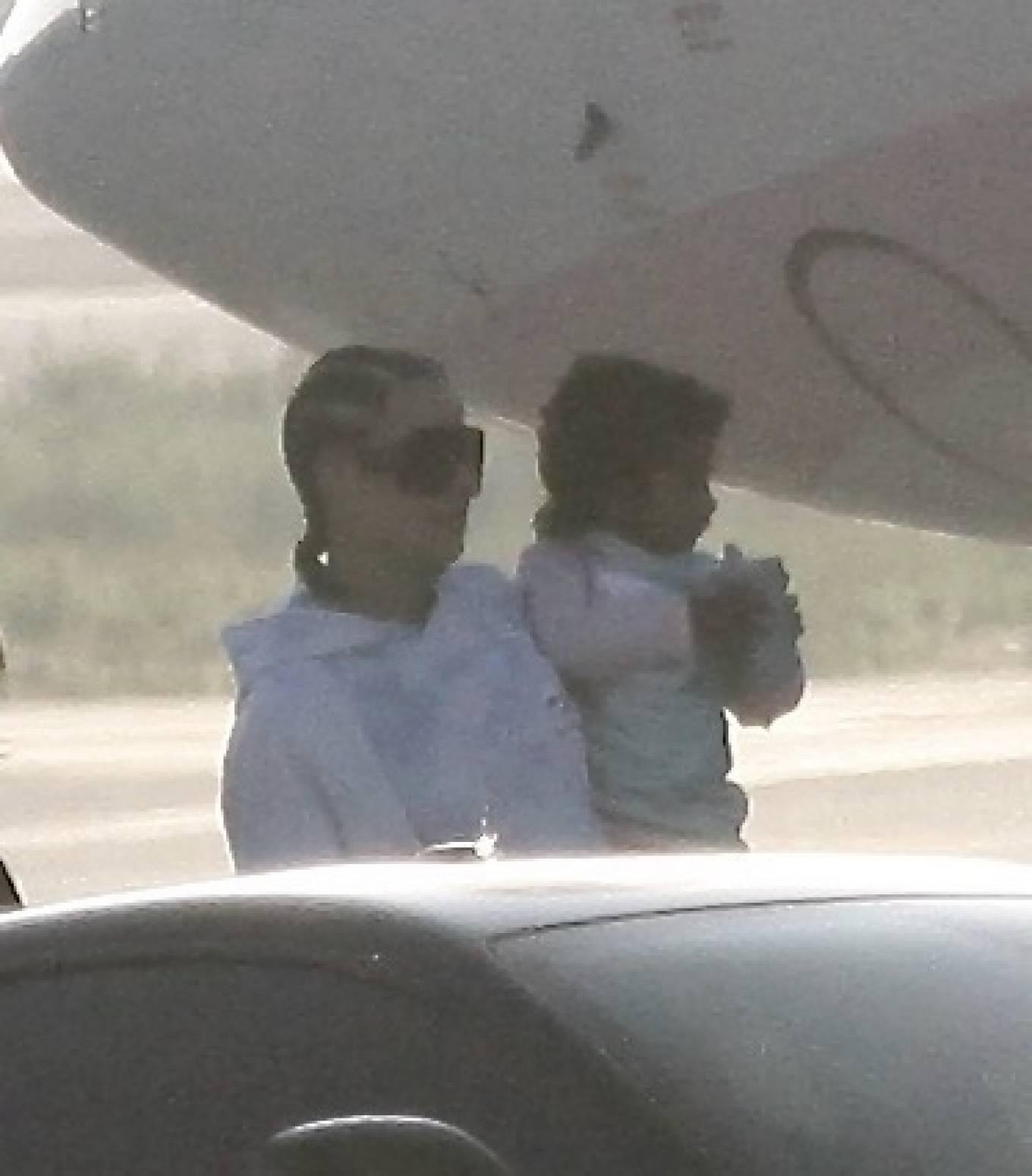Khloe Kardashian 2020 : Khloe Kardashian and Kourtney Kardashian – Pictured boarding Kylie Jenners private jet in Van Nuys-14