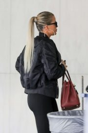 Khloe Kardashian - Arriving at a Doctor's office in Los Angeles