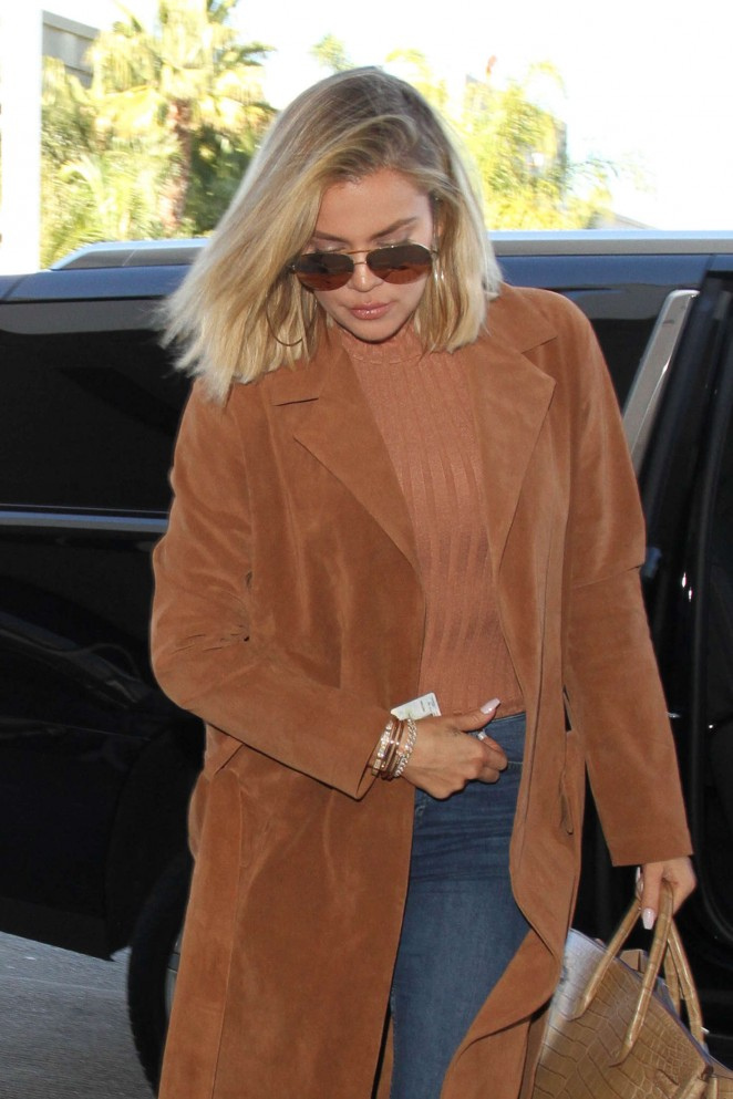 Khloe Kardashian - Arriving at LAX Airport in LA