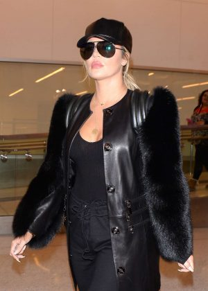 Khloe Kardashian Arriving at Los Angeles Airport