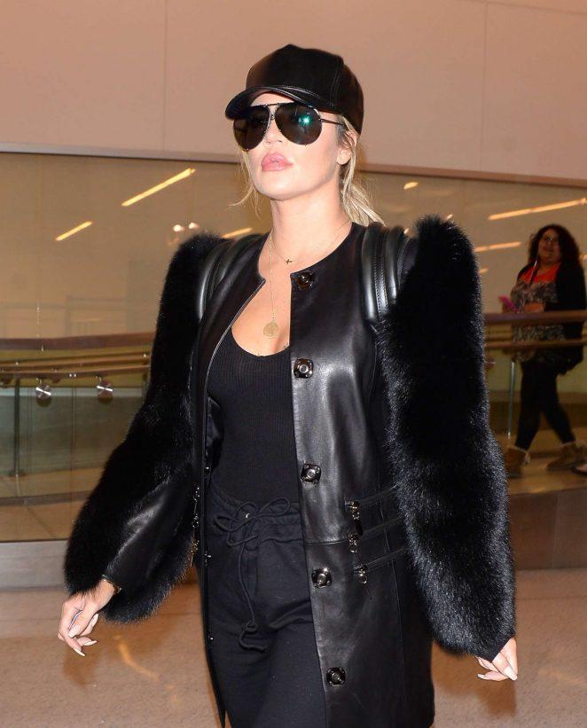Khloe Kardashian Arriving at Los Angeles Airport